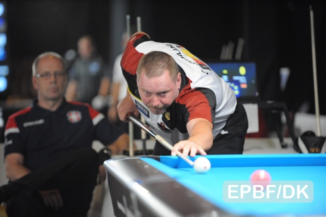 Hofmann through to quarterfinals in senior's 10-ball